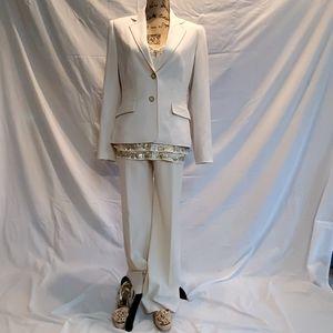 Calvin Klein 2piece suit size 6, cream color